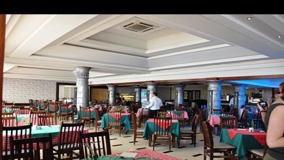 restauracja główna w hotelu Lillyland Beach Club Resort