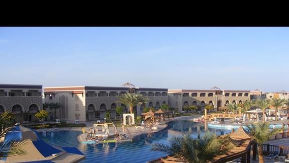 widok z pokoju w hotelu Sentido Sunrise Mamlouk Palace
