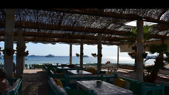 bar przy plaży w hotelu Lotus Bay Resort&Spa