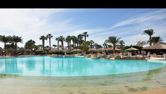 basen w hotelu Lotus Bay Resort&Spa