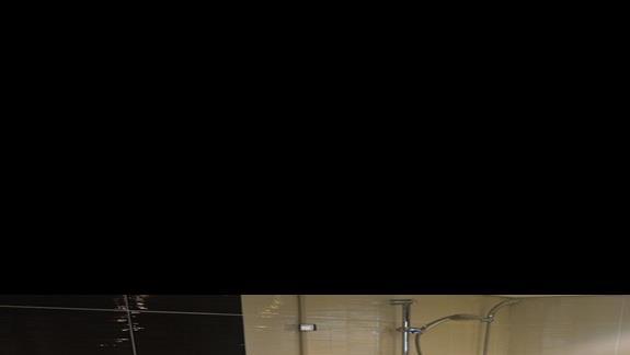 łazienka w pokoju deluxe w hotelu Lotus Bay Resort&Spa