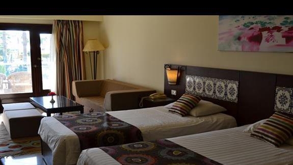 pokój deluxe w hotelu Lotus Bay Resort&Spa