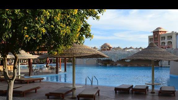 basen w hotelu Serenity Makadi Beach.j