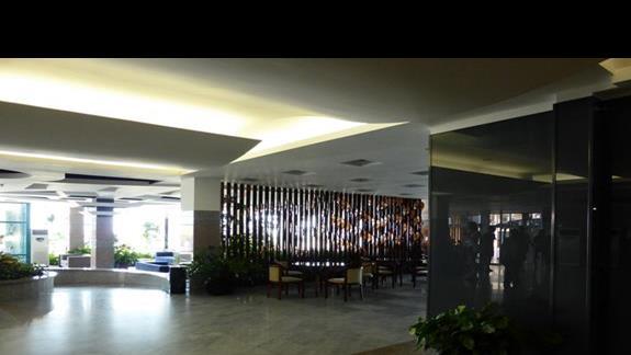 Lobby w hotelu Burgas Beach
