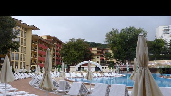 Basen w hotelu Grifild Bolero