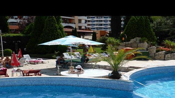 Jacuzzi w hotelu Hrizantema