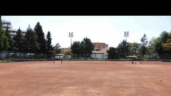 Korty tenisowe w hotelu Hrizantema