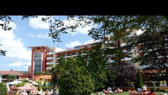 Teren hotelu Hrizantema