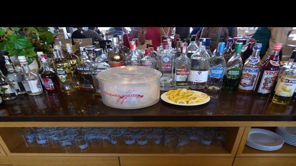 Bar w hotelu Azalia