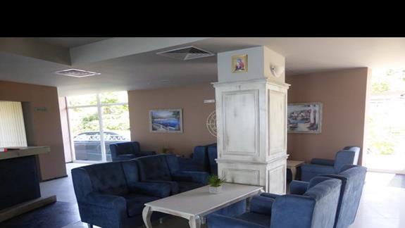 Lobby w hotelu Royal Bay