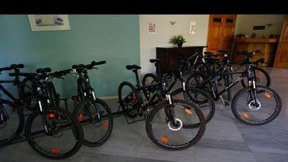 Wypożyczalnia rowerów w hotelu Samaina Inn