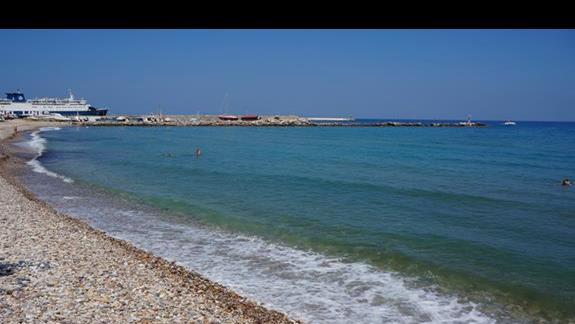 Plaża  przy hotelu Samaina Inn