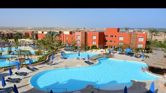 Baseny hotelu Aurora Bay