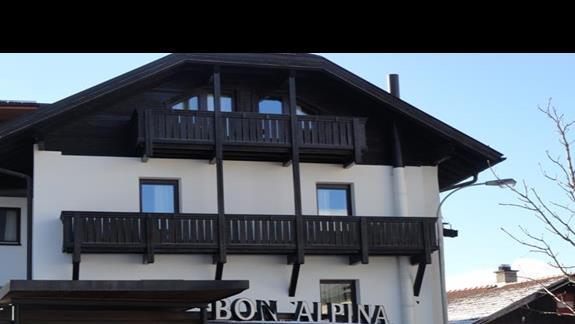Bon Alpina - widok z zewnątrz