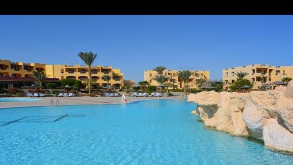Basen hotelu Elphistone Resort