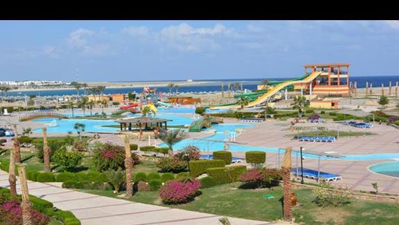 Basen i Aquapark El Malikia Resort Abu Dabbab