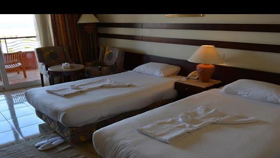 Pokój standardowy hotelu El Malikia Resort Abu Dabbab