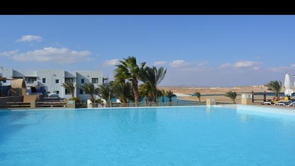 Basen hotelu Marina Lodge