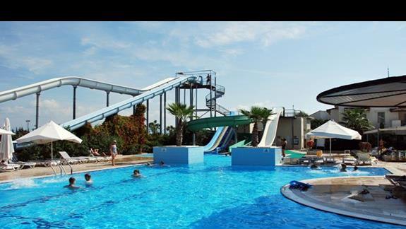 Zjeżdżalnie w hotelu Lyra Resort