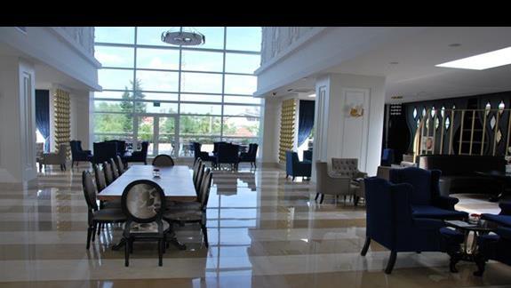 Lobby w hotelu Mary Palace