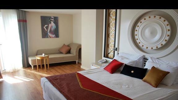 Pokój rodzinny cz. 1 w hotelu Mary Palace
