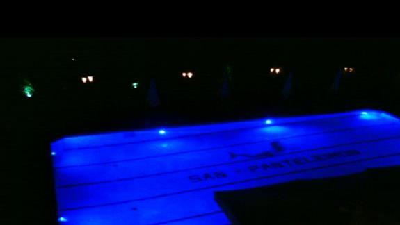 widok na basen z balkonu zajmowanego pokoju...