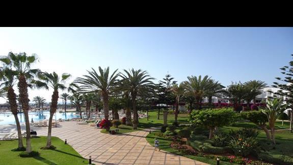 Część ogrodu w hotelu Iberostar Founty Beach