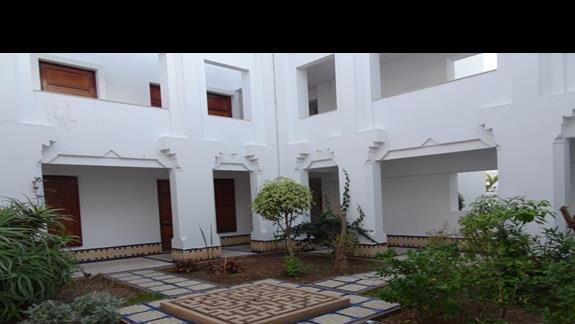 Jeden z licznych budynków w hotelu Agador Caribbean Village