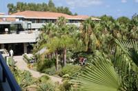 Hotel Fiesta Garden Beach - hotel od strony ogrodu