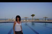 Hotel Rixos Premium Magawish - Wczasowiczka nad basenem