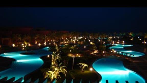 Hotel w nocy