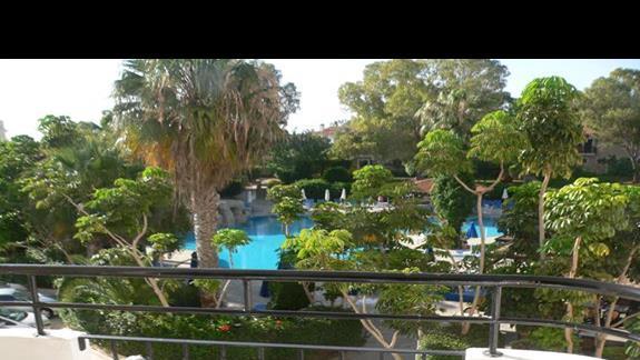 Widok z balkonu hotelowego.
