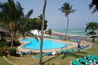 Hotel Baobab Beach Resort & Spa - Basen w czesci Baobab z pieknym widokiem na plaze