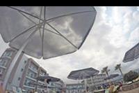 Hotel Carolina Mare - z perspektywy lezaka, na basenie