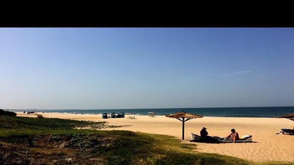 Niesamowita, ciągnąca się kilometrami plaża tuż przy hotelu
