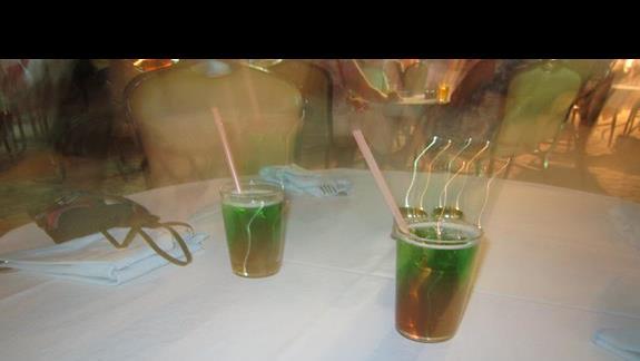 drinki w lobby barze
