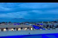 Hotel Mitsis Blue Domes Exclusive Resort & Spa - Podświetlane baseny nocą na terenie całego obiektu Mitsis Blue Domes Exclusive Resort & Spa