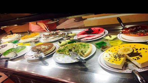 Desery w restauracji hotelu Mitsis Rodos Village