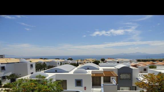 Mitsis Blue Domes - Widok na Nisiros