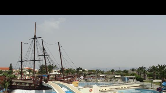 Kipriotis Village - statek piracki ze zjeżdżalniami
