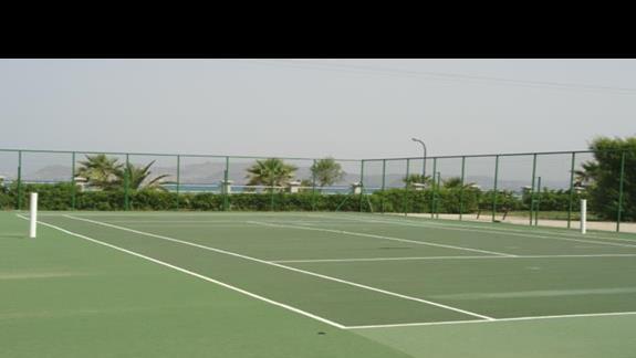 Kipriotis Village - kort tenisowy