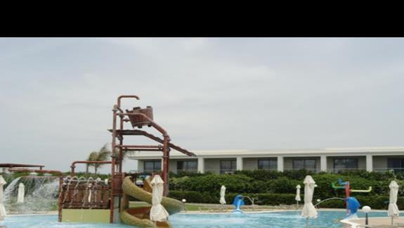 LTI Asterias Beach - basen ze zjeżdżalniami