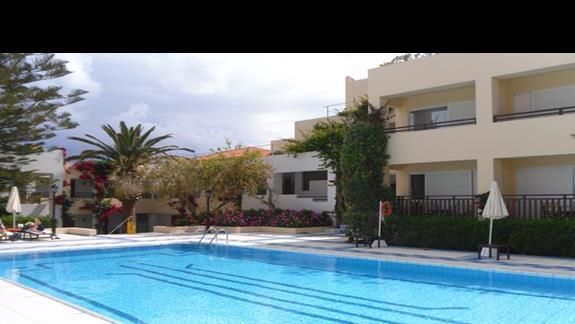 Creta Royal basen 1