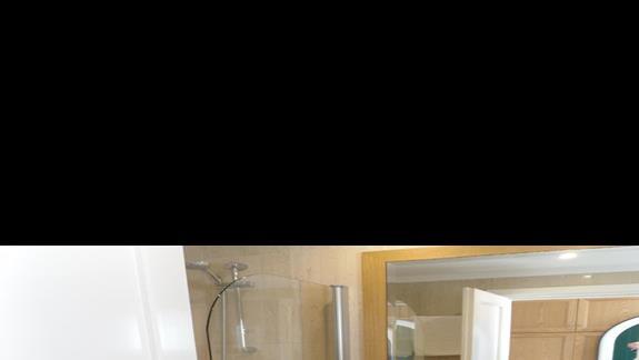 Mitsis RInela Beach Resort  łazienka pokój standard