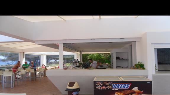 Geraniotis Beach bar