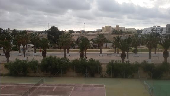 widok z okna Hotelu Pyramides w Nabeul
