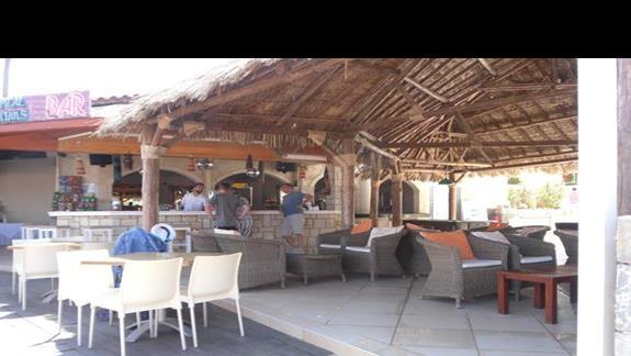 High Beach  bar przy plaży