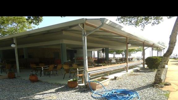 bar przy basenie hotelu Sun Beach