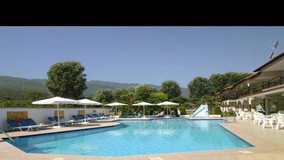 basen w hotelu Afroditi