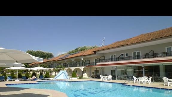 basen hotelu Afroditi